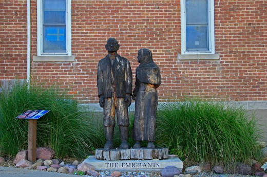 The Emigrants statue, Stanton, Iowa